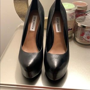 Steve Madden Dejavu Black Shoes size 8